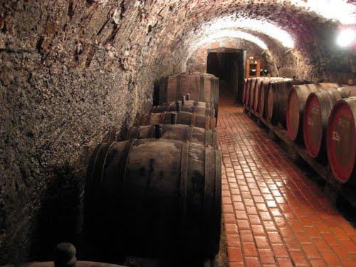 Старий підвал