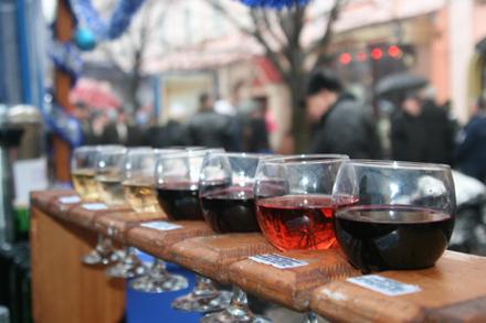 "фестиваль молодого вина ""Божоле"""