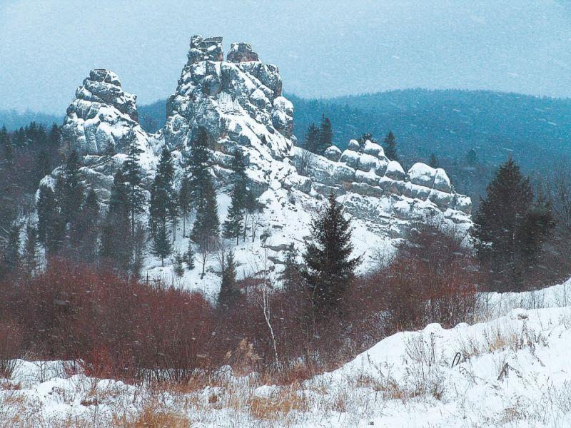 скелі в Уричі